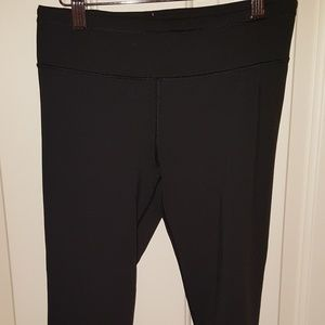 Victoria Secret Size XS Made Sexy Cropped Legging